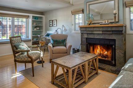 Living Room - Seaglass Cottage, Central Pg