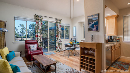 Living Room - Oakwood, New Monterey